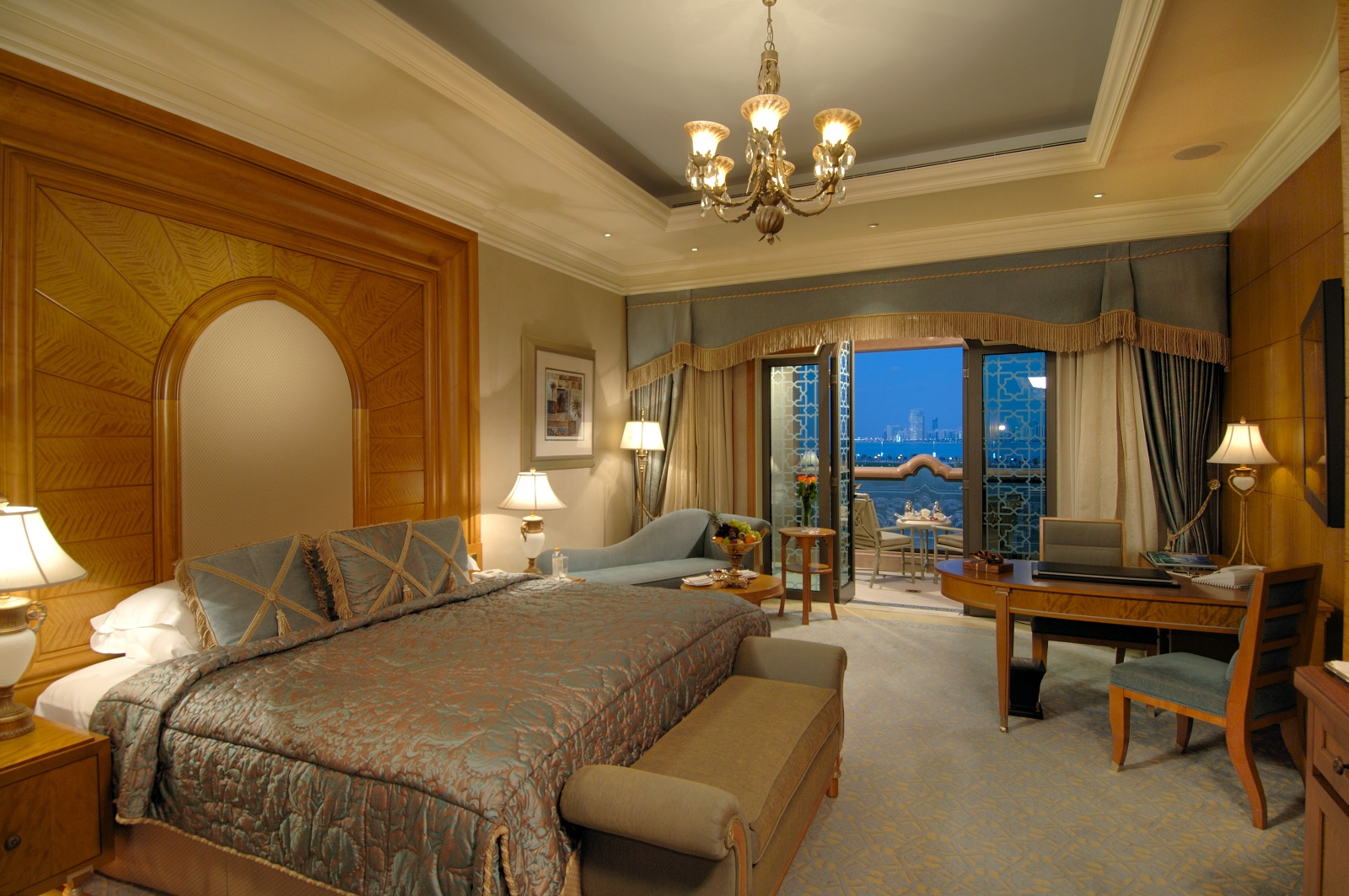 Most expensive hotel emirates palace abu dhabi bon vita for Hotels in uae